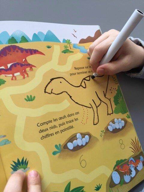 je trace j'efface avec les dinosaures 1