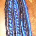8 dreads noirs et bleus monté sur un élastique 20 euros (2)