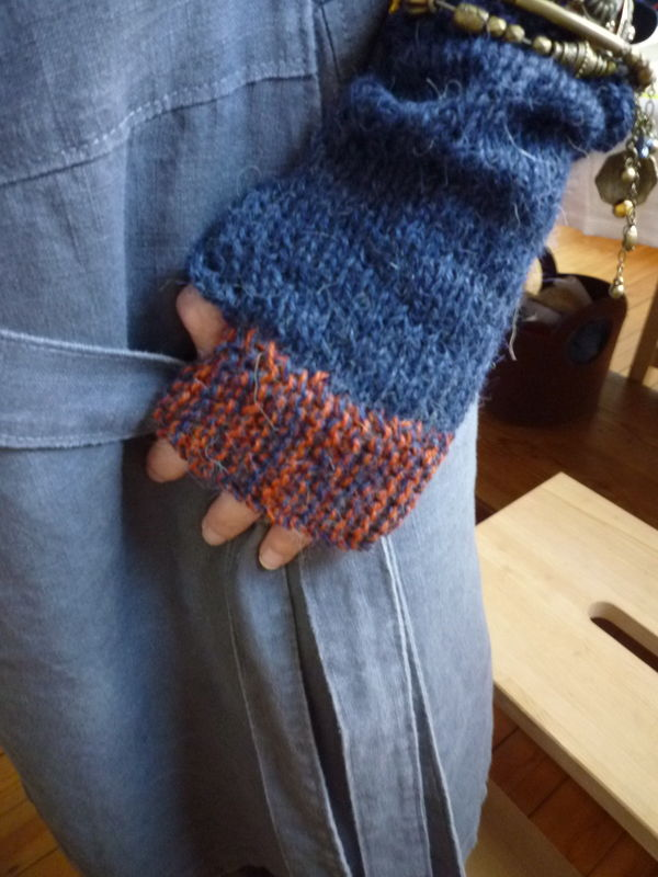 Camp out fingerless Mitts en Alpaga drops et La droguerie