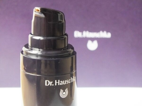 8 Maquillage Make-Up Dr Hauschka FOnd de Teint Amande