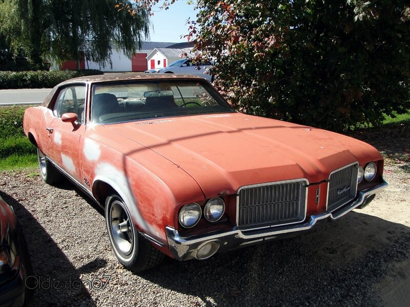 oldsmobile-cutlass-coupe-1971-a