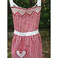 Broderie suisse : tablier ou gingham apron