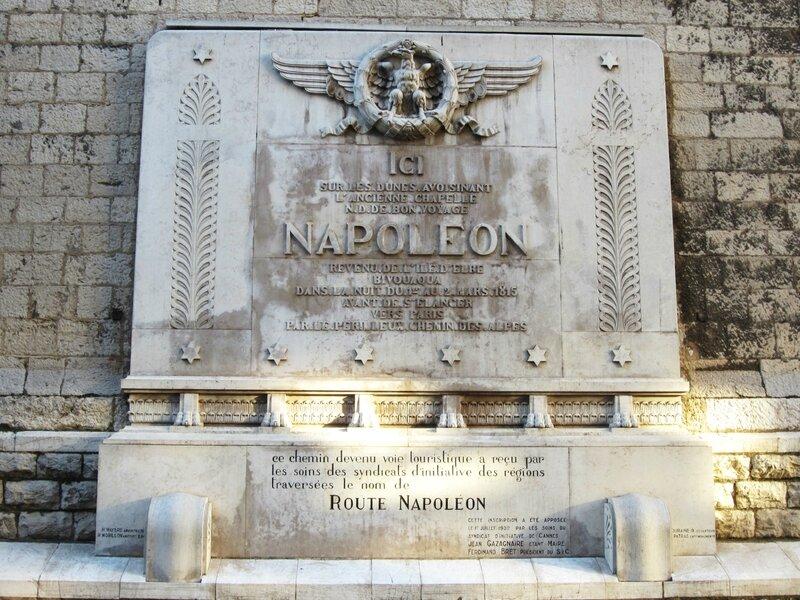 Plaque commémorative route Napoléon Cannes