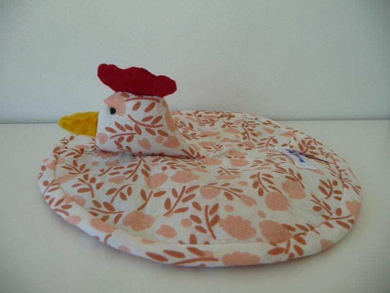 Manique poulette petit modèle ramages marrons fond blanc