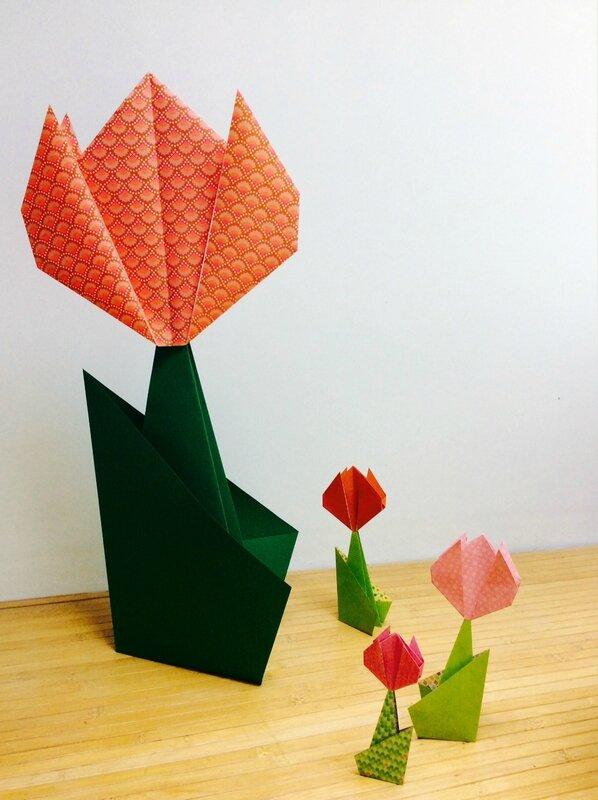 Fleurs origami - Atelier origami Delphine Minassiam - Boutique Pièce unique à Carpentras - Marché aux oiseaux le 13 mai 2017