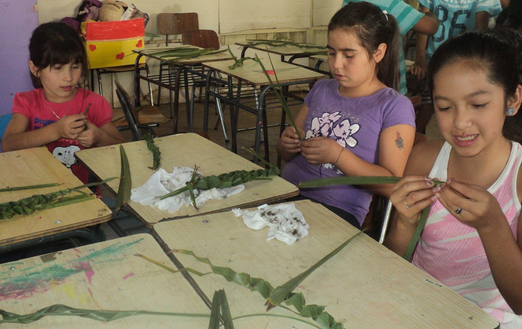 preparando los ramos en la Lautaro