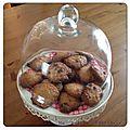 Le goûter du mercredi... des cookies noisettes-pralins aux pépites de chocolat...