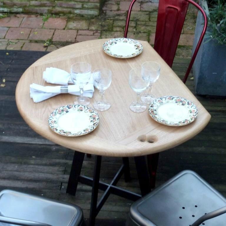 Petite table pour cuisine photos 20 coinsrepas pour la for Petite table cuisine