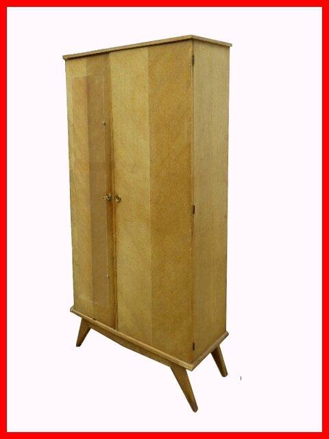armoire penderie dressing vintage annees 50 peindre vendu meubles et d coration vintage. Black Bedroom Furniture Sets. Home Design Ideas
