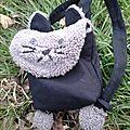 Le sac chat de loulou et de doudou lapin (le doudou lapin du loulou justement).