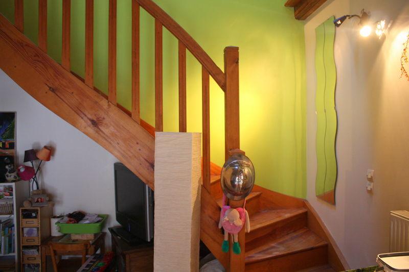 peinture montee escalier perfect escaliers en fonte image with peinture montee escalier. Black Bedroom Furniture Sets. Home Design Ideas