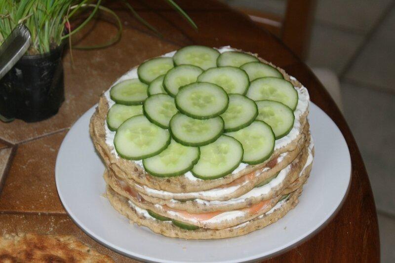 SANDWICH CAKE SAUMON ET CONCOMBRE 130616 (2)