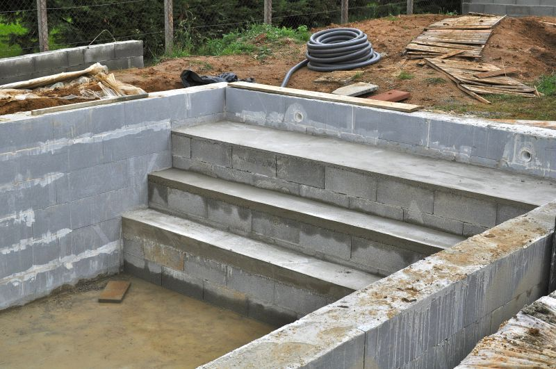 Escalier piscine en blocs polystyr ne for Marche piscine