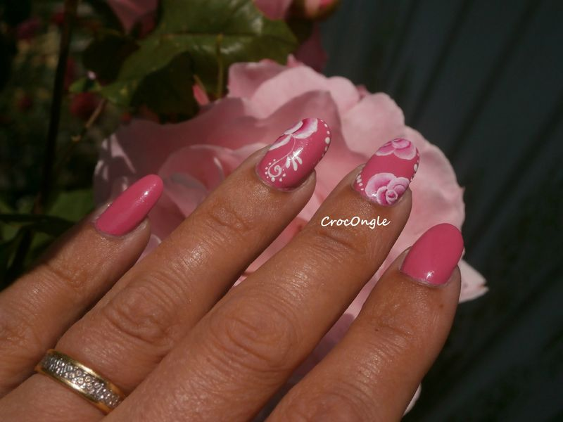 nail art roses one stroke vernis Moyapastel n°609 Crocongle2