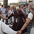 La fête médiévale des arcs sur argens , une bien jolie farandole