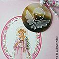 Médaillon d'ange en nacre sur cordon Eloïse rose