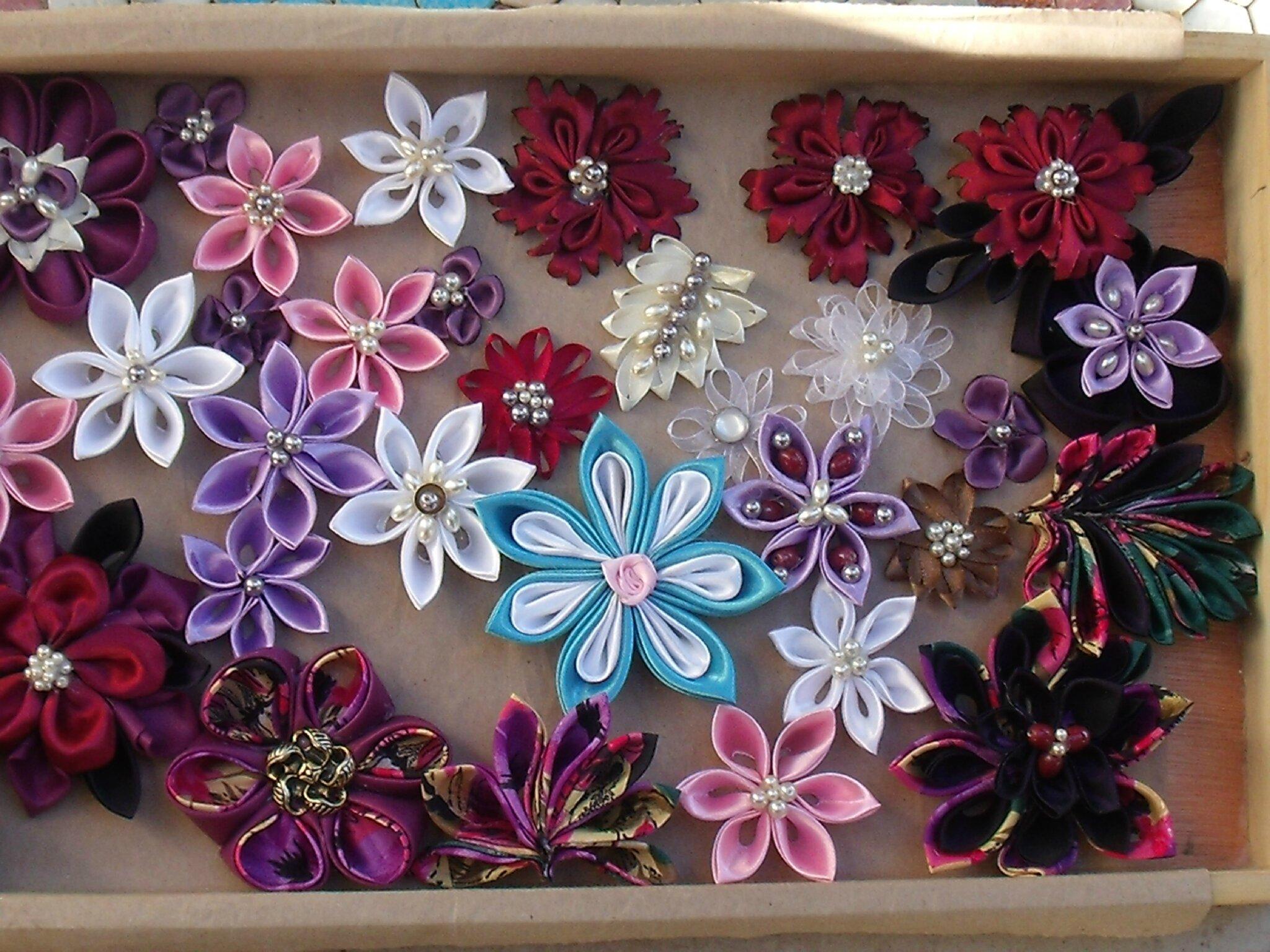 KANZASHI des fleurs pour des barrettes, des bandeaux...des peignes....