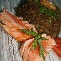 Lentilles estragon et noix, saumon grillé