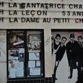Devanture du théâtre de la Huchette.