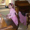 Naïs dans son bel habit de princesse rose