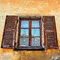 Fenêtre Pérouges voile_8206