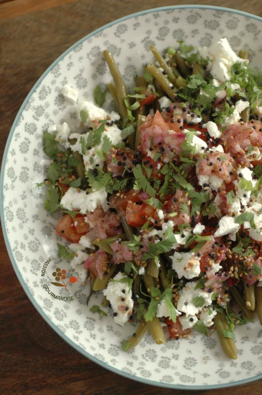 Salade de haricots verts, dés de tomates, feta, vinaigrette à l'oignon rouge & moutarde ancienne_3