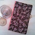 Cahier journal fleuri gris et rose