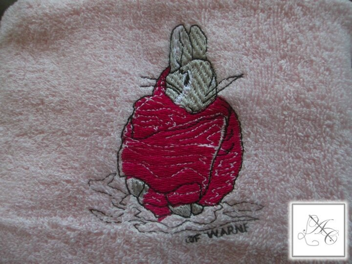 Motif : Peter Rabbit n°20, rose fuchsia