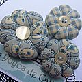 ♥ alizee ♥ broche aux 3 fleurs potirons bleue et blanche