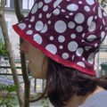 chapeau pois blanc marron cote