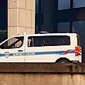 Besançon : un couple fonce en voiture sur des policiers municipaux