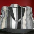 sac à langer rayé noir -
