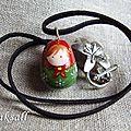 collier poupée russe folklorique