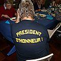 Les habitués président en bout de table...