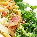 Pasta à l'ail nouveau, pancetta et mâche