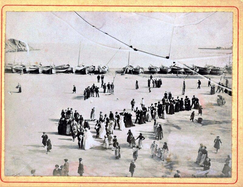 Mariage cortège sur la plage ter