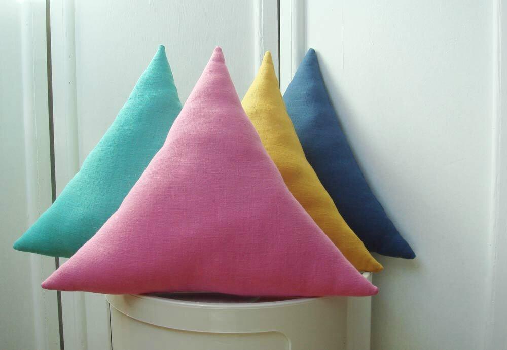 Coussin triangulaires : nouveaux coloris