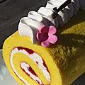 Roulé pâte à choux aux fraises