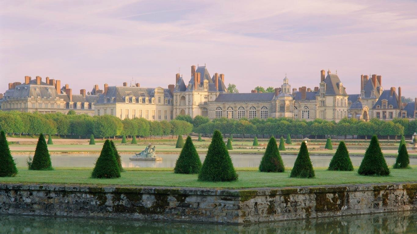 FontainebleauPalace_FR-FR8480519087_1366x768
