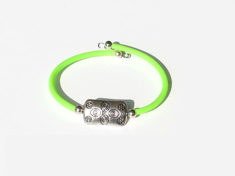 bracelet vert perle métal rectangle