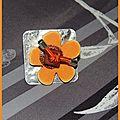 Bague grand carré, fleur polaris orange et crochet dégradé brun