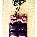 Collier plaque de chocolat