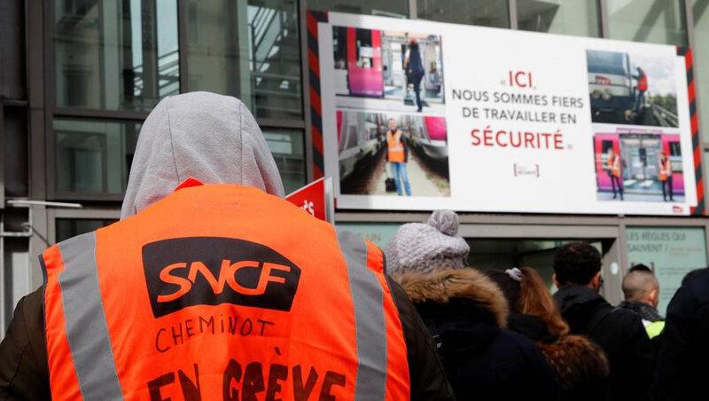 Photo--greve-la-sncf-44-des-francais-soutiennent-le-mouvement-des-cheminots