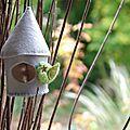 Voici mes petits nichoirs en feutre bien chaud pour que les oiseaux passent l'hiver dans un nid douillet