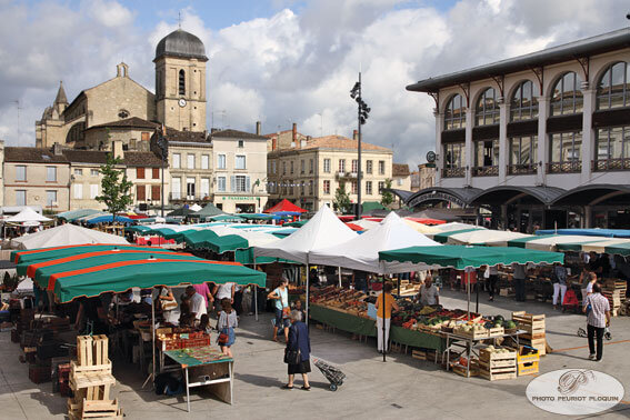 MARMANDE_place_du_marche