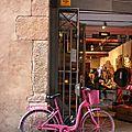 Barcelone - Barri Gotic, Coiffeur, vélo_5044