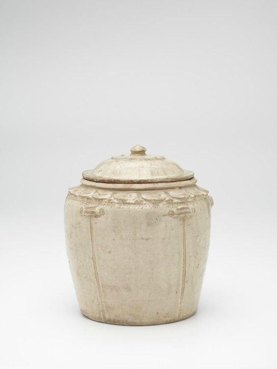 Covered jar, Vietnam, 11th century-13th century, earthenware, glaze, (a-b) 22