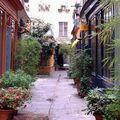 22 - Passage de l'Ancre - Petit passage caché fleuri