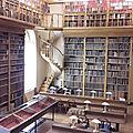 Manuscrits du mt st michel: visite à avranches de l'association des profs d'histoire-géo de l'académie de caen.