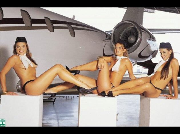 des-hotesses-de-lair-nue-dans-playboy-348919